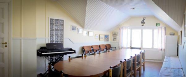 Yläkerran kabinetti
